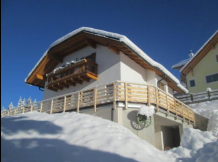 Шале между San Cassiano in Badia и La Villa in Badia/ Chalet in San Cassiano in Badi 12/13pax (3km from ski lifts) cod.win01