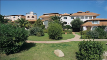COLONNA BEACH HOTEL & RESIDENCE (hotel and apartmetns)